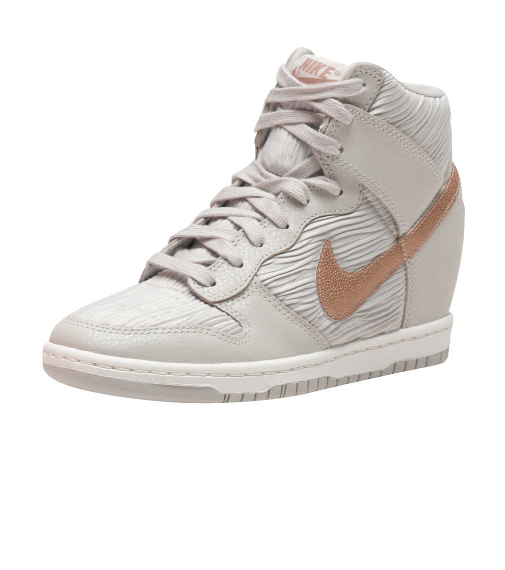 taille 40 dbe55 66f54 DUNK SKY HI WEDGE SNEAKER