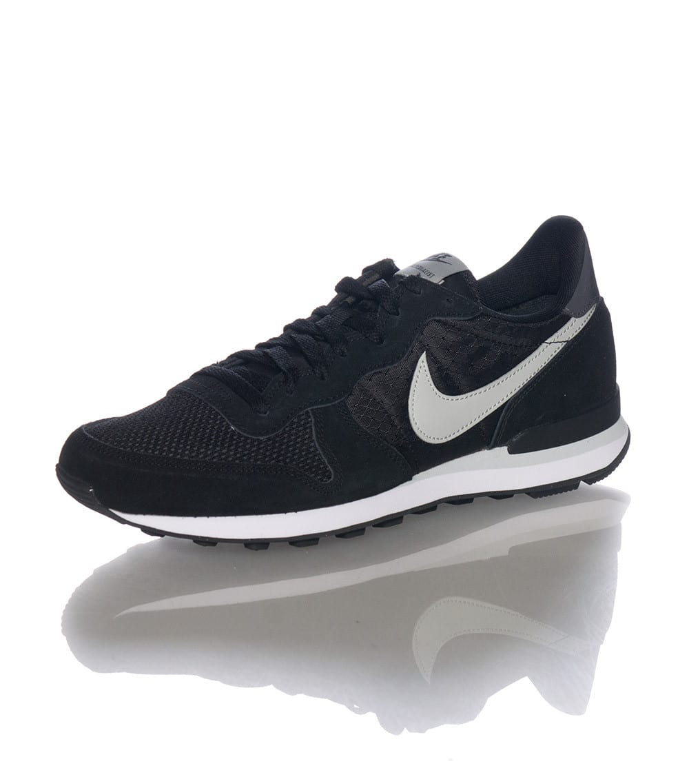INTERNATIONALIST SNEAKER
