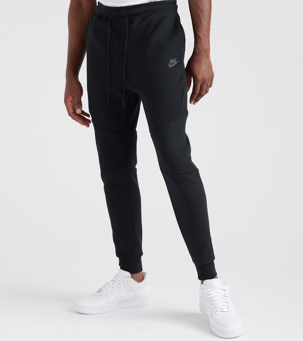 latest trends of 2019 wide selection delicate colors NSW TECH FLEECE JOGGER