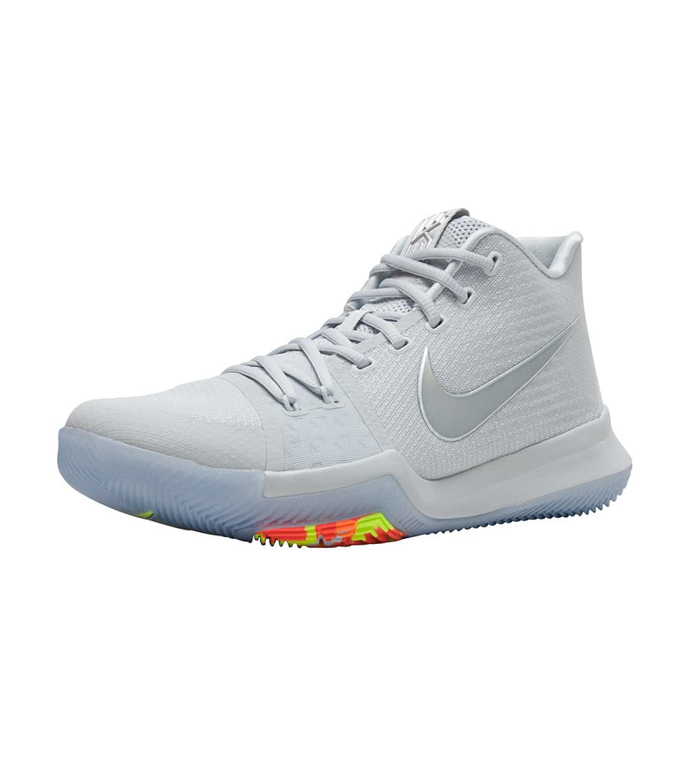 new concept 70bc6 d7691 Kyrie 3 Ts