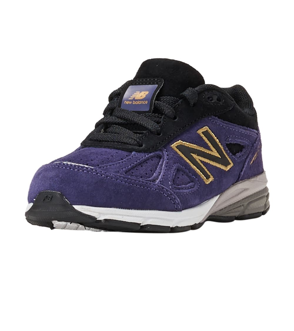 buy popular d2cb1 f3952 990v4 Running Sneaker