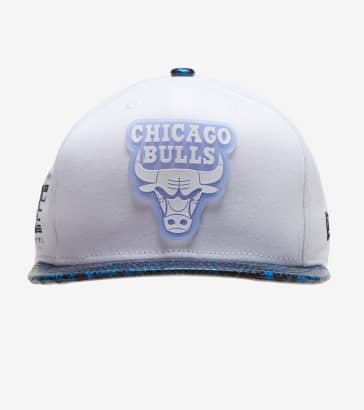 de532ff980a3 New Era Chicago Bulls 59FIFTY Snakeskin Snapback