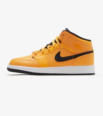 d8d66e69694a Jordan 1 Mid Shoe