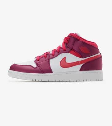 brand new 74c3a b568f Jordan 1 Mid Sneaker