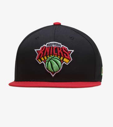 buy popular eed7f e2d46 New Era Knicks Max Snapback