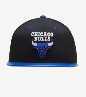 newest collection 94c08 824e8 New Era Bulls Snapback
