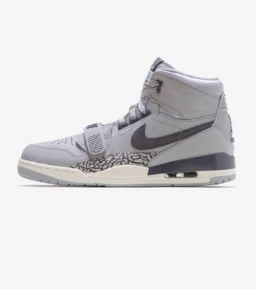e05df4a4605 Jordan Legacy 312 Shoe