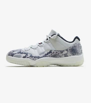 85aac49119b4bc Jordan Retro 11 Low LE