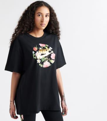 the latest f3330 56bf8 Nike Boyfriend Floral Foamposite Tee