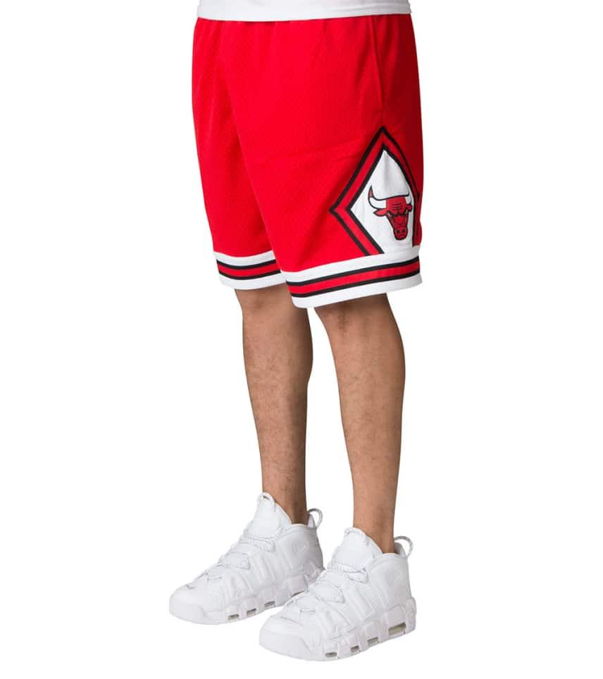 d39627758528fa ... Mitchell and Ness - Athletic Shorts - Chicago Bulls Swingman Shorts ...