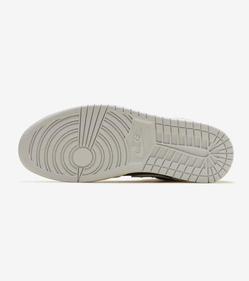 3ef68af1ac805 Jordan Retro 1 High OG (Grey) - 555088-018