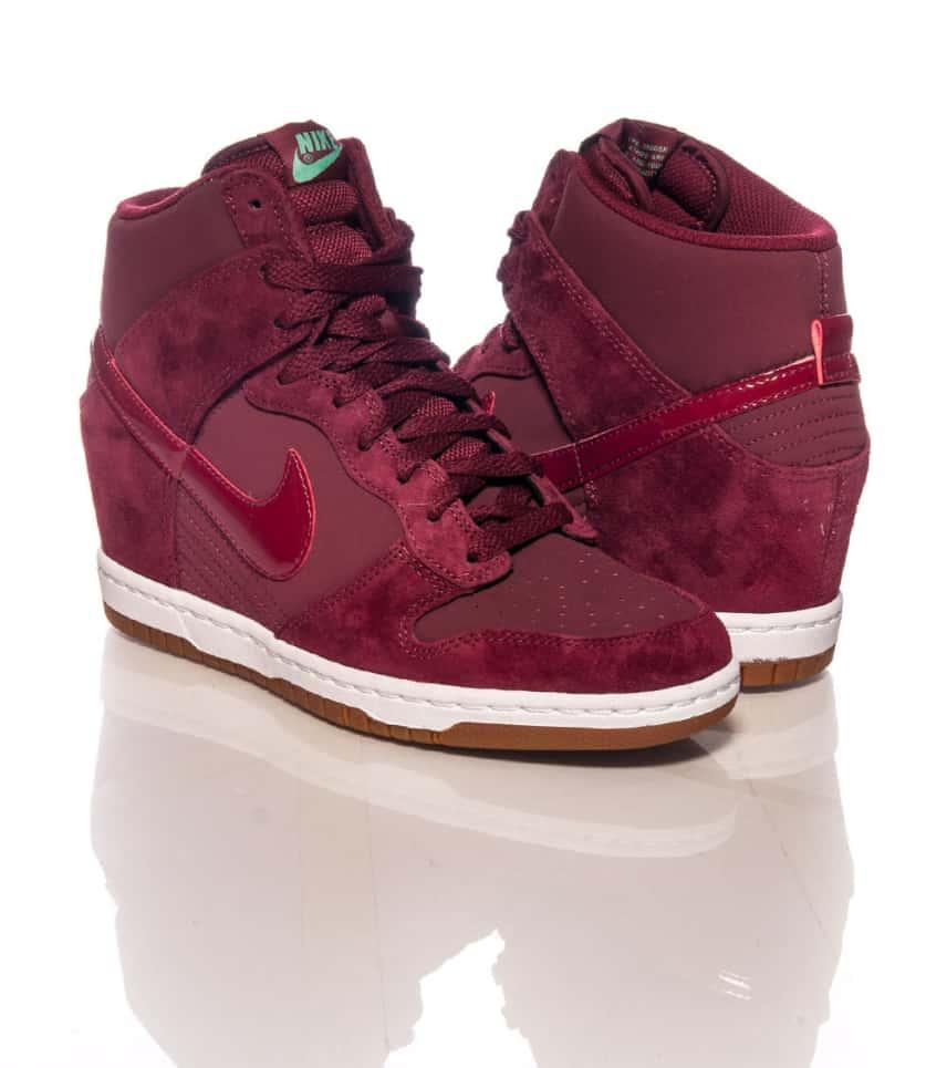 sale retailer c360c 26a72 ... new arrivals nike sportswear casual dunk sky hi essential sneaker e5e21  5cd7a ...