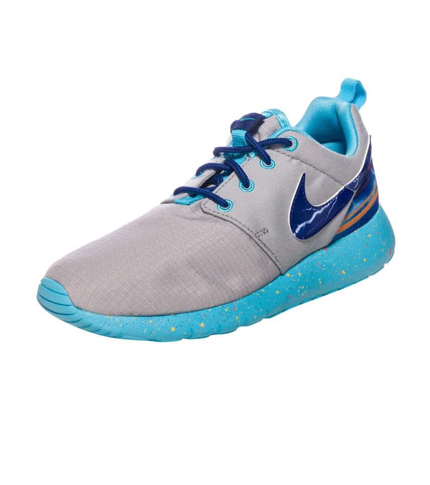 e5d1c5cade8a Nike ROSHERUN PRINT SNEAKER (Grey) - 677782-006
