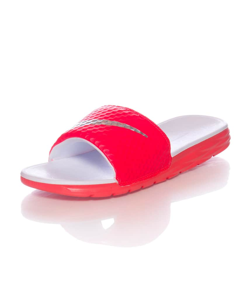 3ca13b34d8420d NIKE SPORTSWEAR BENASSI SOLARSOFT SLIDE 2 SANDAL (Medium Red ...
