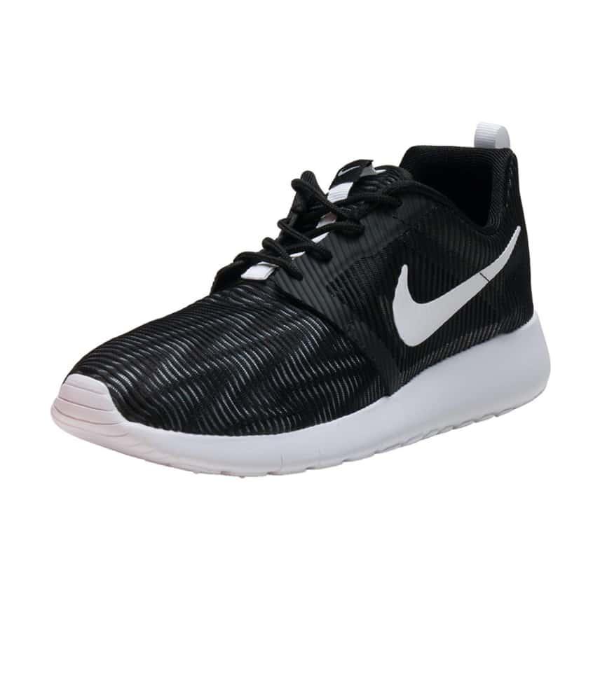 best loved dc7b9 23077 czech nike sneakers rosherun flight weight sneaker c0b81 6734e