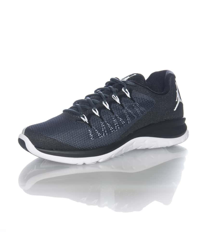 5c2d9045a269 JORDAN Flight Runner 2 Sneaker (Black) - 715572010