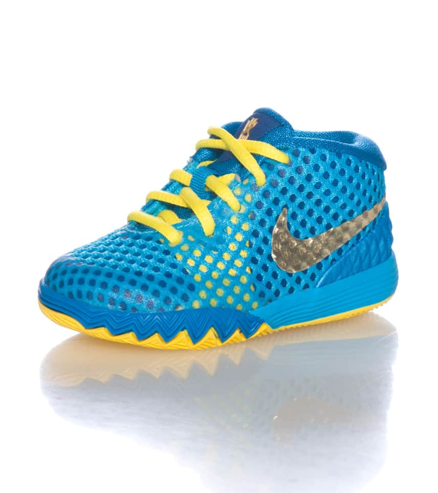 separation shoes 82efb d0345 KYRIE 1 SNEAKER