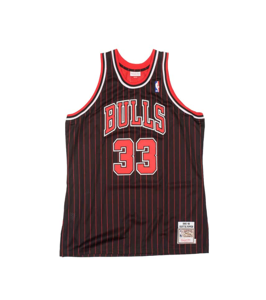 a45a52c42682 Mitchell and Ness Chicago Bulls Scottie Pippen Jersey (Black ...