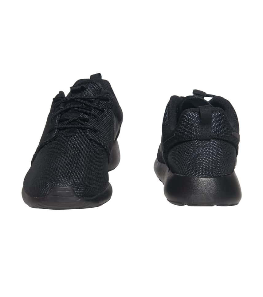 e11fccef9b6c NIKE SPORTSWEAR ROSHE ONE MOIRE SNEAKER (Black) - 819961-001
