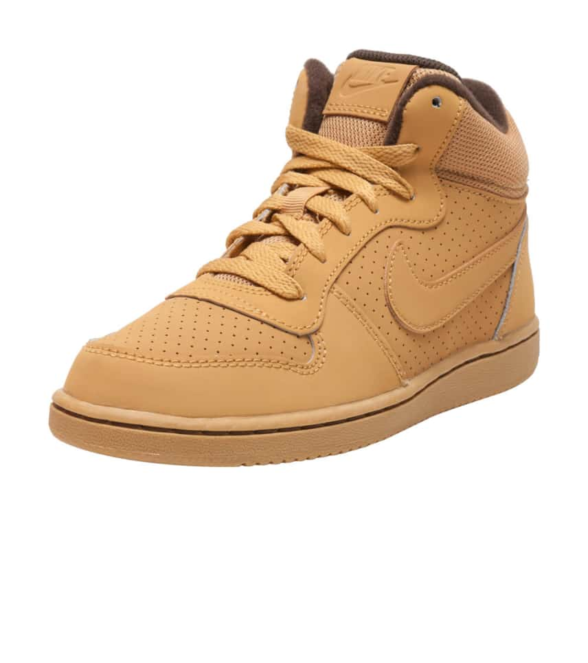 nike mid court