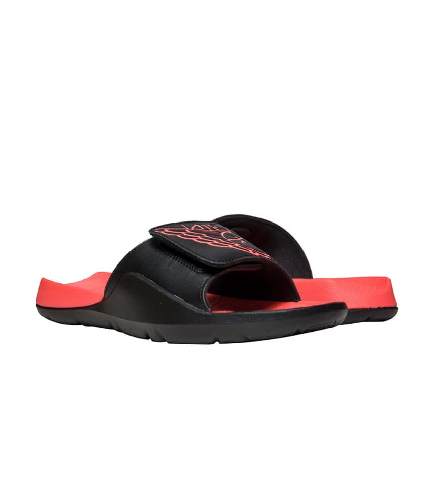 33573968b Jordan HYDRO RETRO 7 SLIDE (Black) - AA2517-023