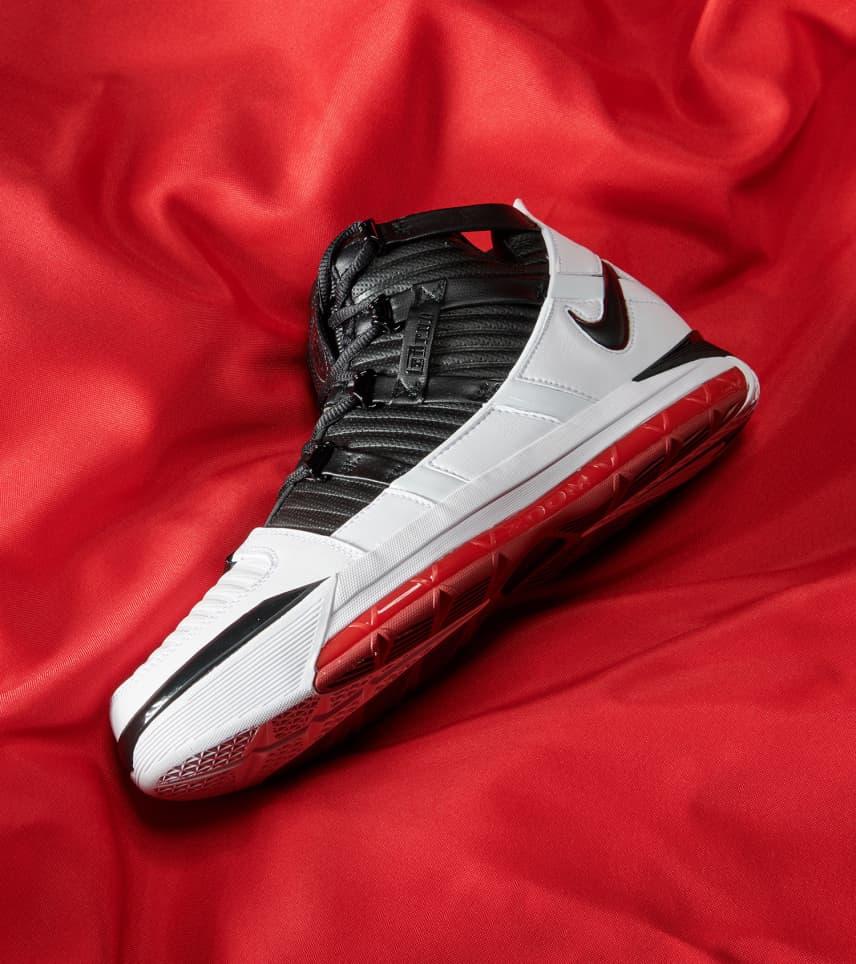a28e72d8d7d1 Nike Zoom LeBron III QS