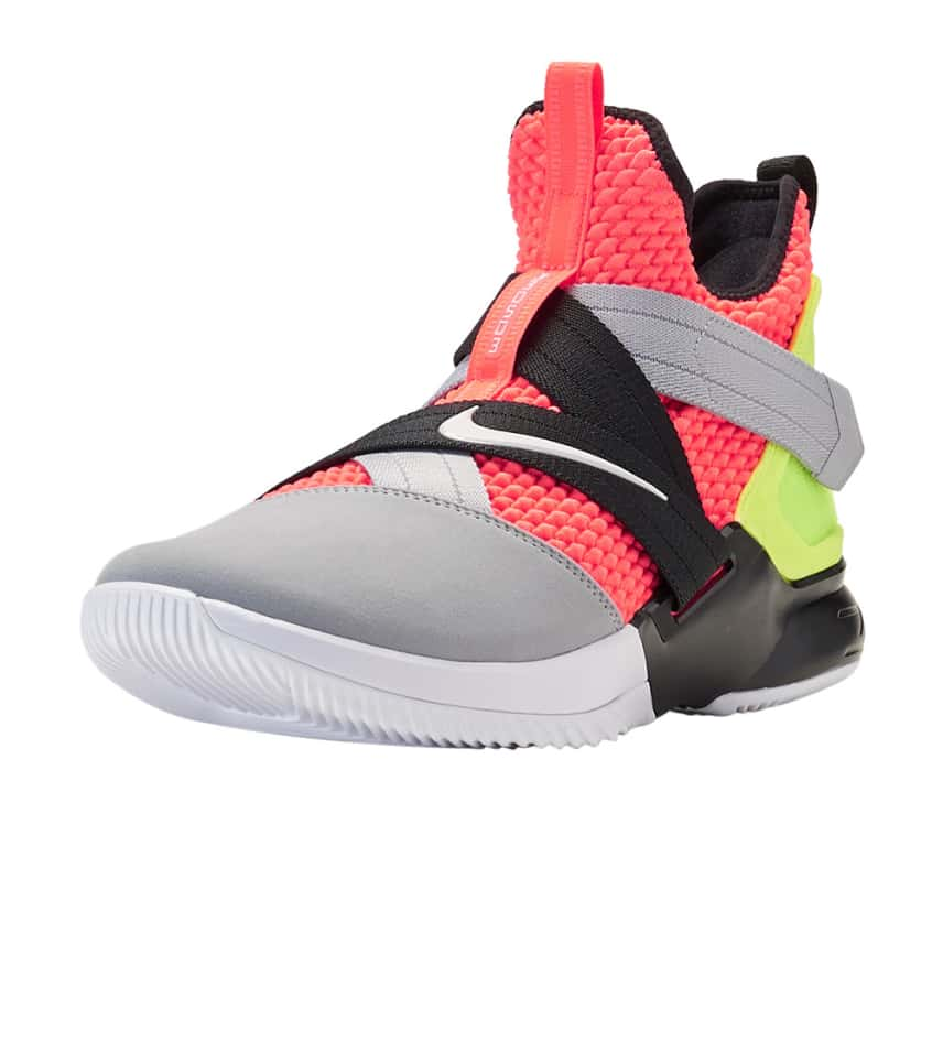 new concept d23e8 eef6d LeBron Soldier XII SFG