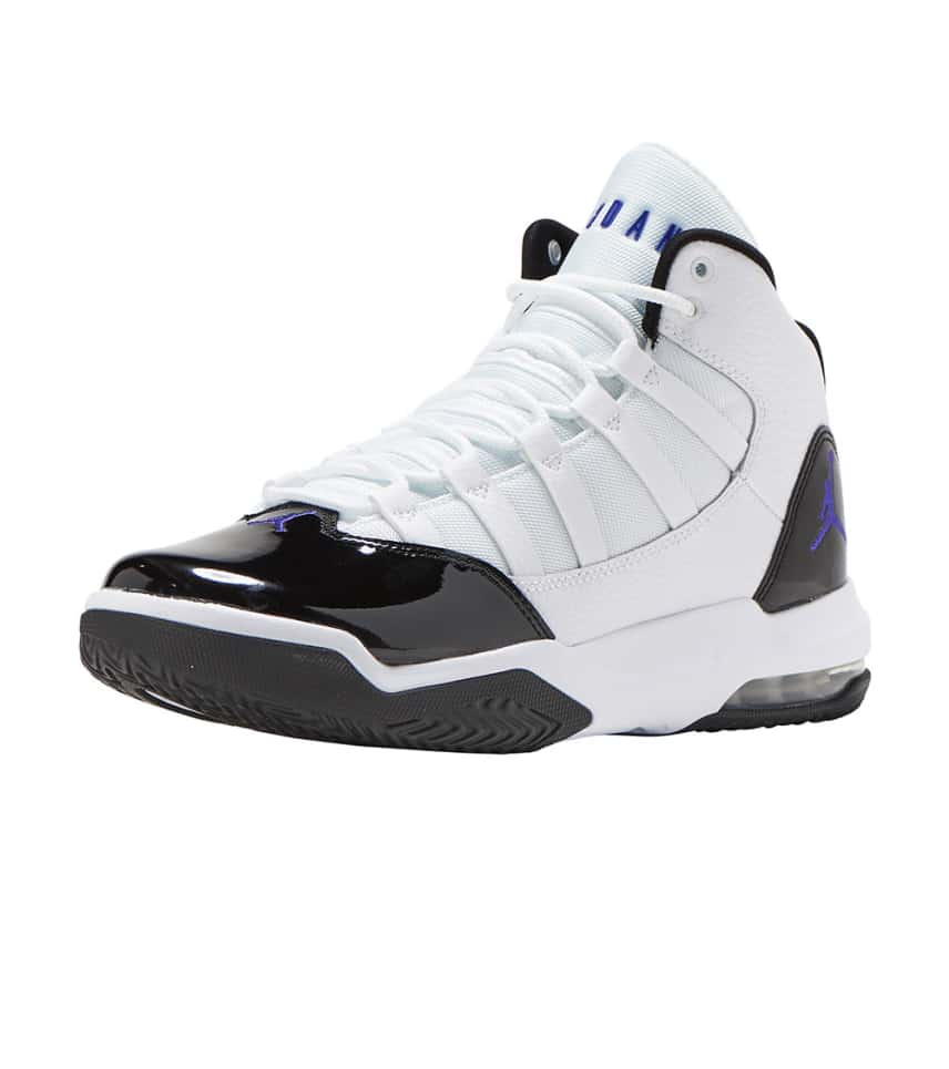 separation shoes 3b0fc 76815 Max Aura Basketball Sneaker