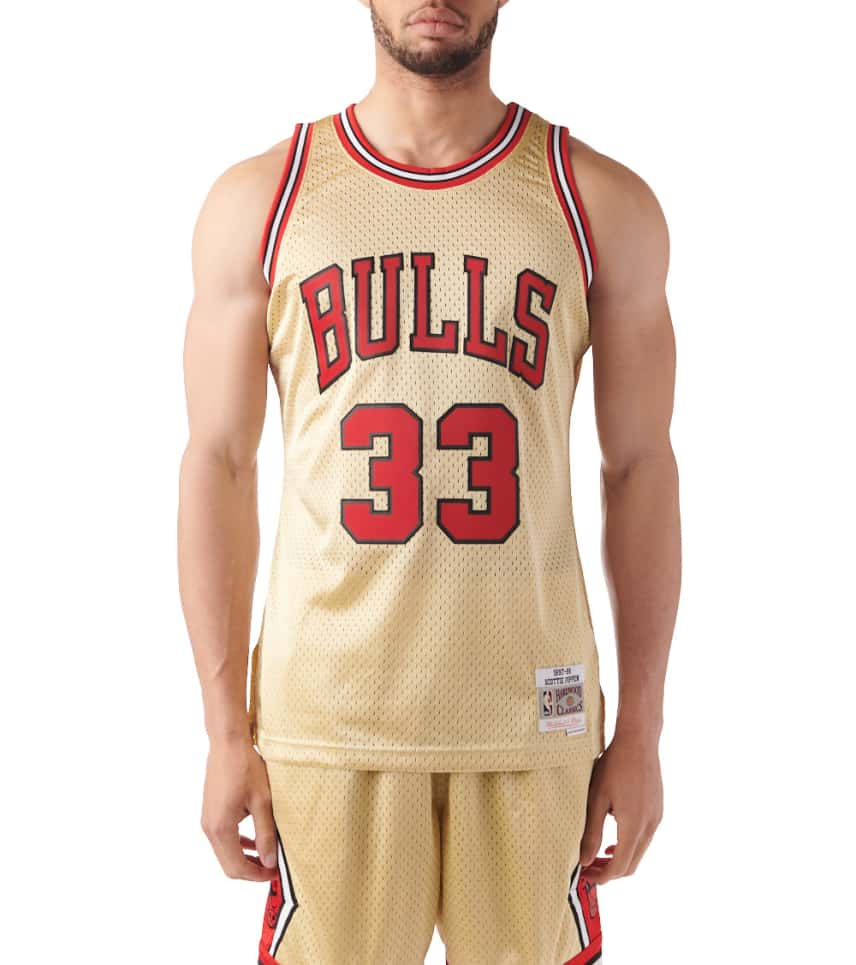 Mitchell and Ness Chicago Bulls Pippen Swingman Jersey (Gold ... 68b491e45c