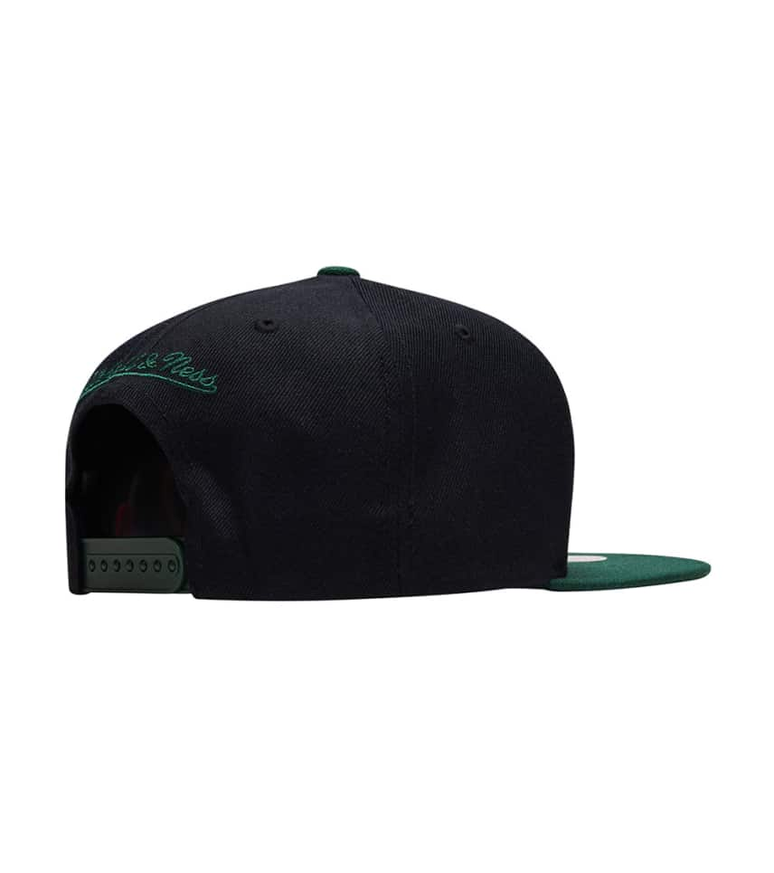 ... Mitchell and Ness - Caps Snapback - Bucks Cropped Satin Snapback Hat ... fcbe249f6bed