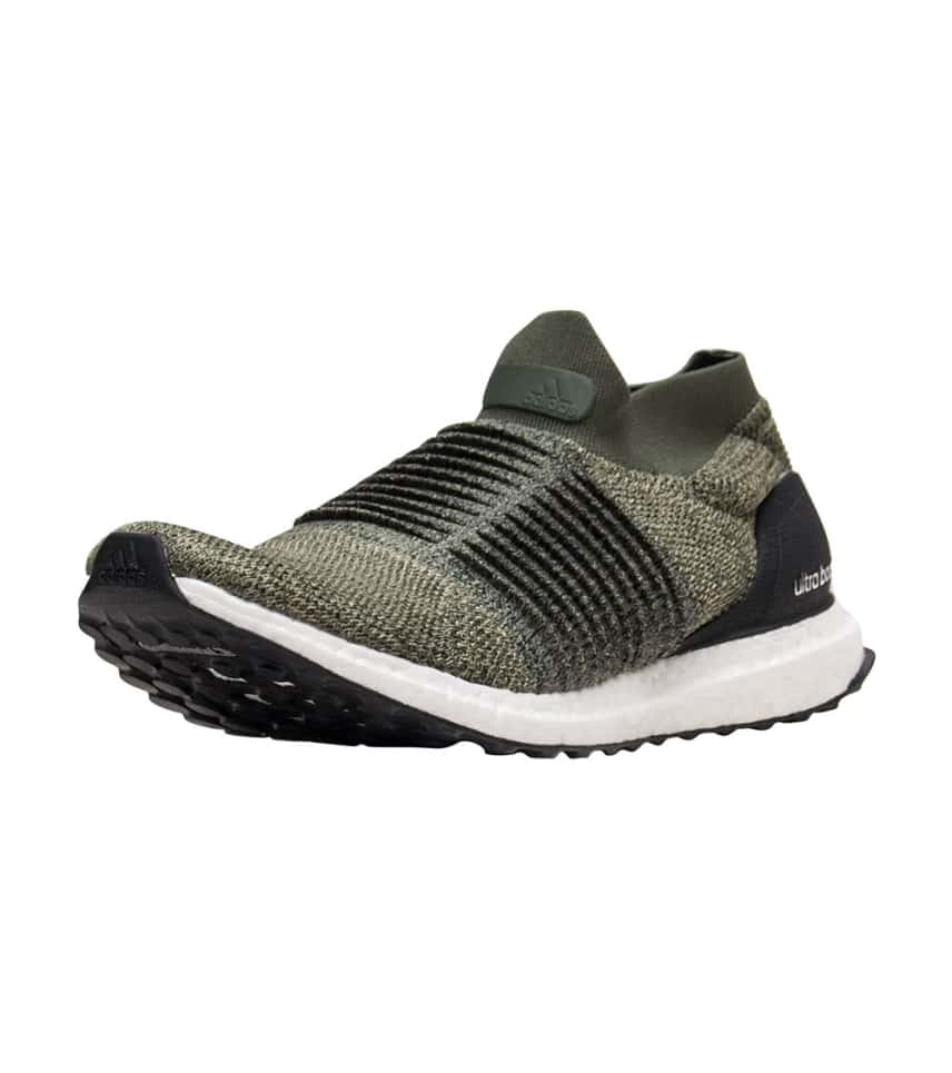 06698126c adidas Ultraboost Laceless.  99.90orig  200.00. COLOR  Dark Green