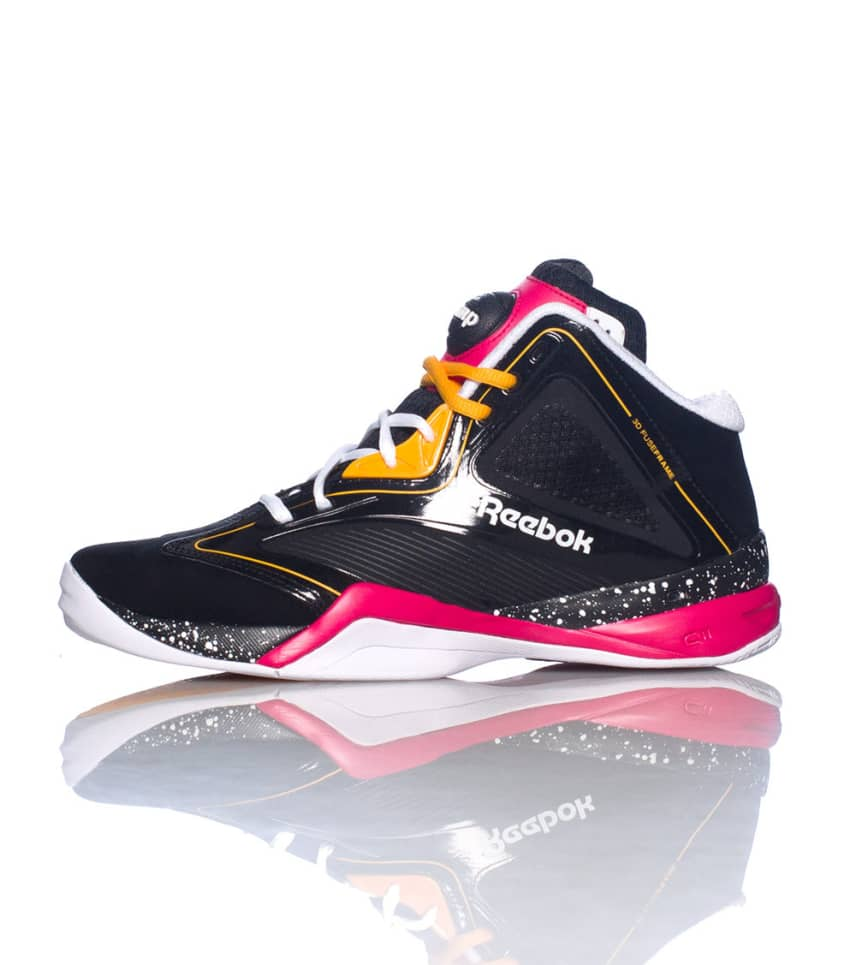 96571047032b7c Reebok THE PUMP REVENGE SNEAKER (Black) - M41451