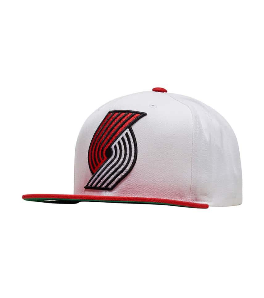 5a7588fa44a ... Mitchell and Ness - Caps Snapback - Trail Blazer XL Logo Snapback ...