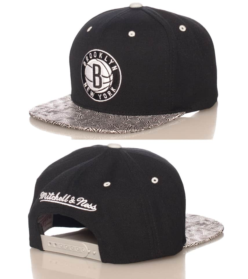 09dc13a1752 Mitchell and Ness Brooklyn Nets Court Vision Snapback (Black ...