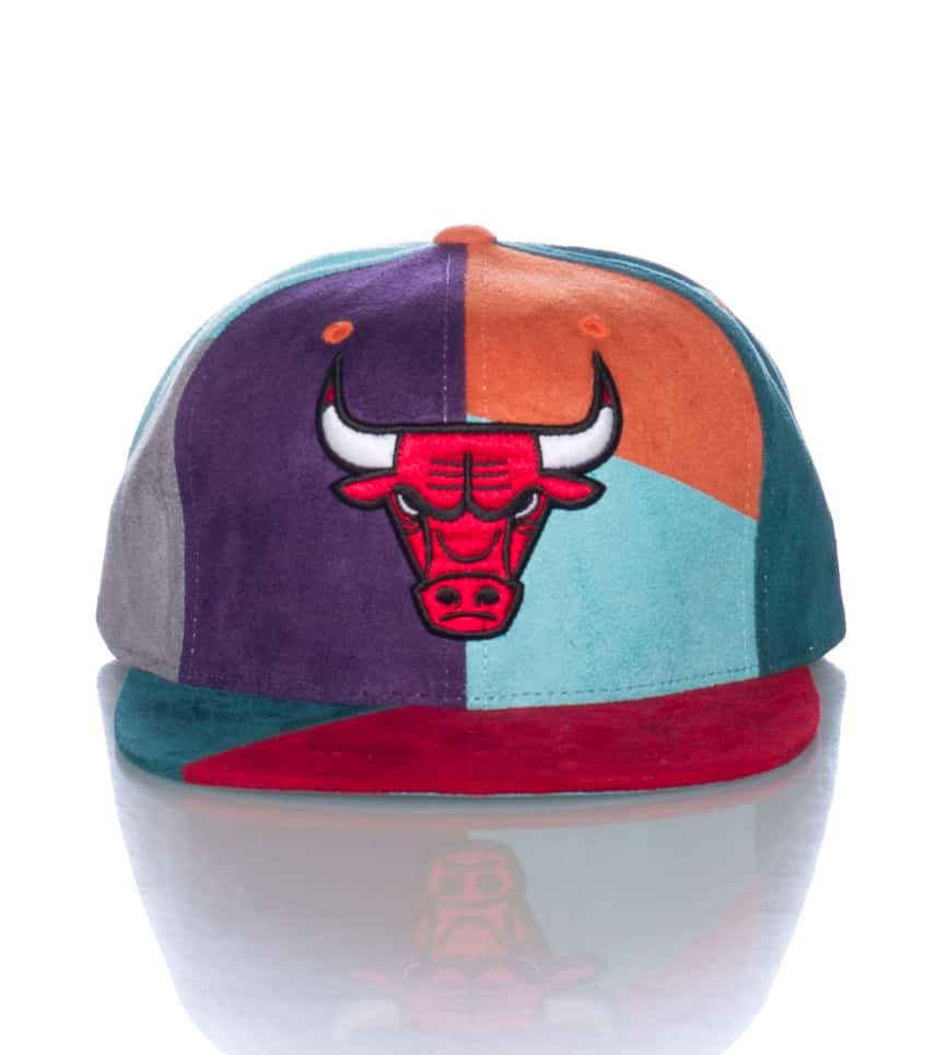 c4f0f486 ... MITCHELL AND NESS - Caps Snapback - CHICAGO BULLS NBA SUEDE SNAPBACK CAP  ...