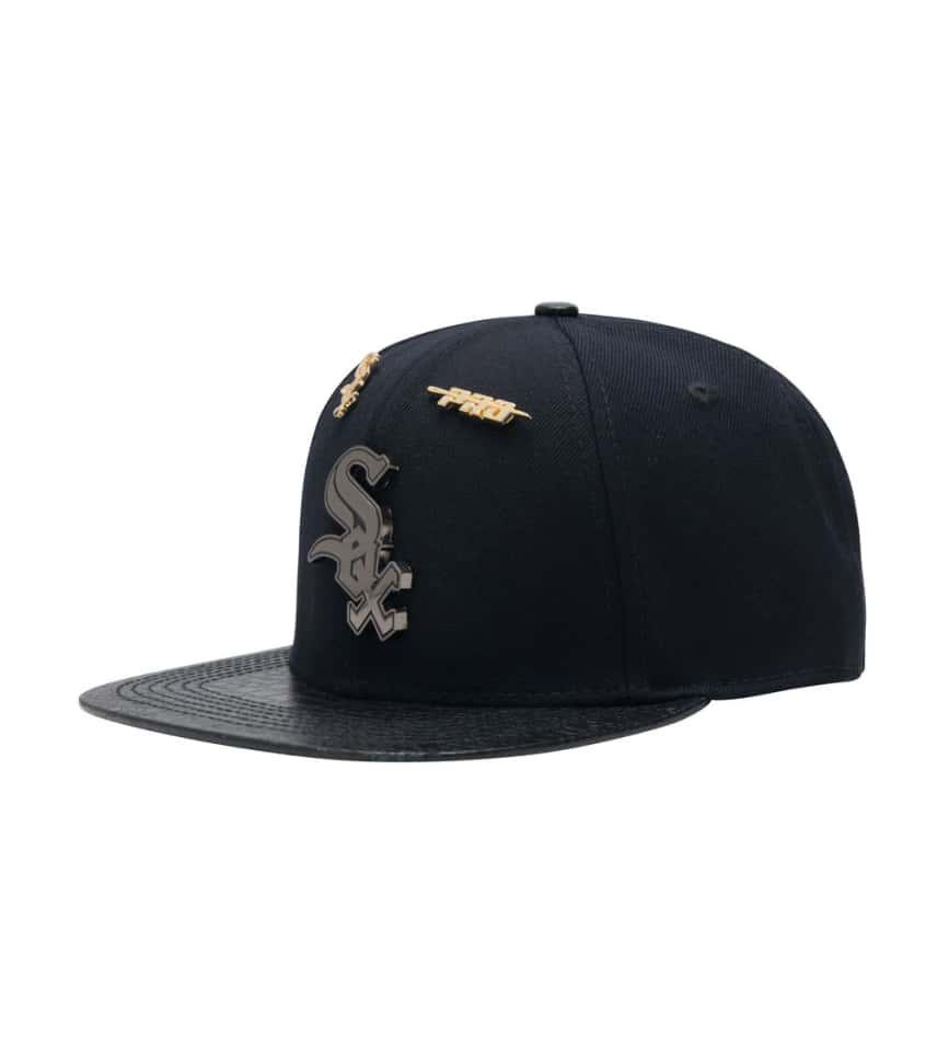 Pro Standard CHICAGO WHITE SOX LEATHER STRAPBACK CAP (Black ... 861080958bb7