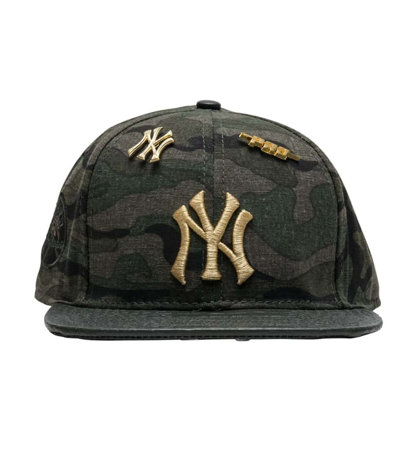 949f15eb12f09 ... Pro Standard - Caps Snapback - NY Yankees Camo Leather Strapback ...