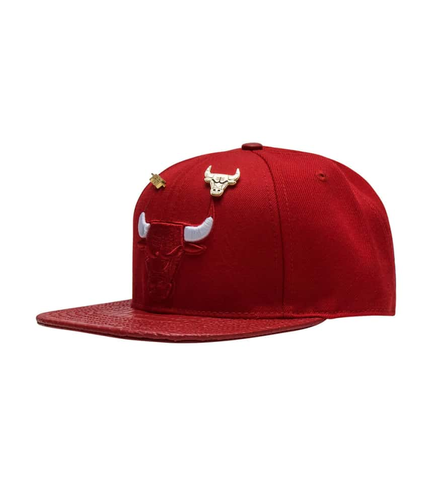 aa400897102 Pro Standard Chicago Bulls Leather Strapback (Red) - PNCHIB07125 ...