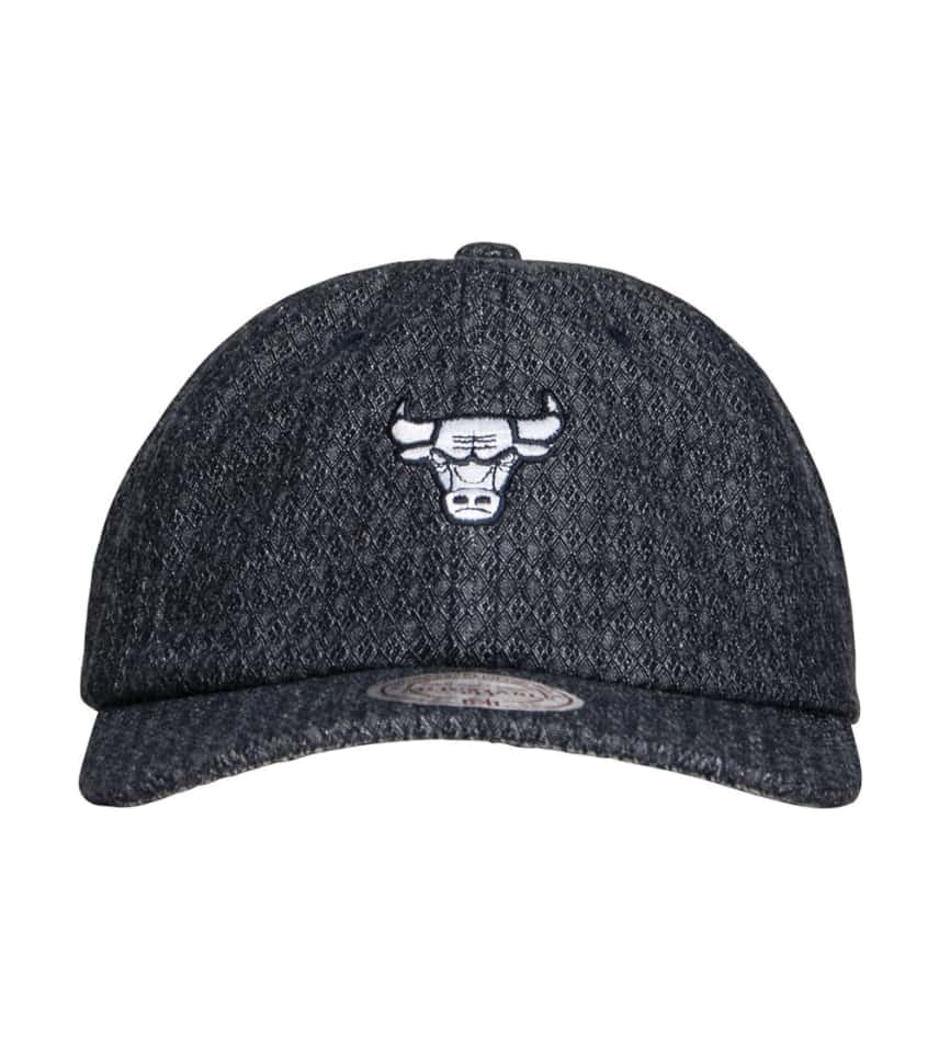 96b9890464c ... Mitchell and Ness - Hats - Chicago Bulls Reverse Denim Dad Hat ...
