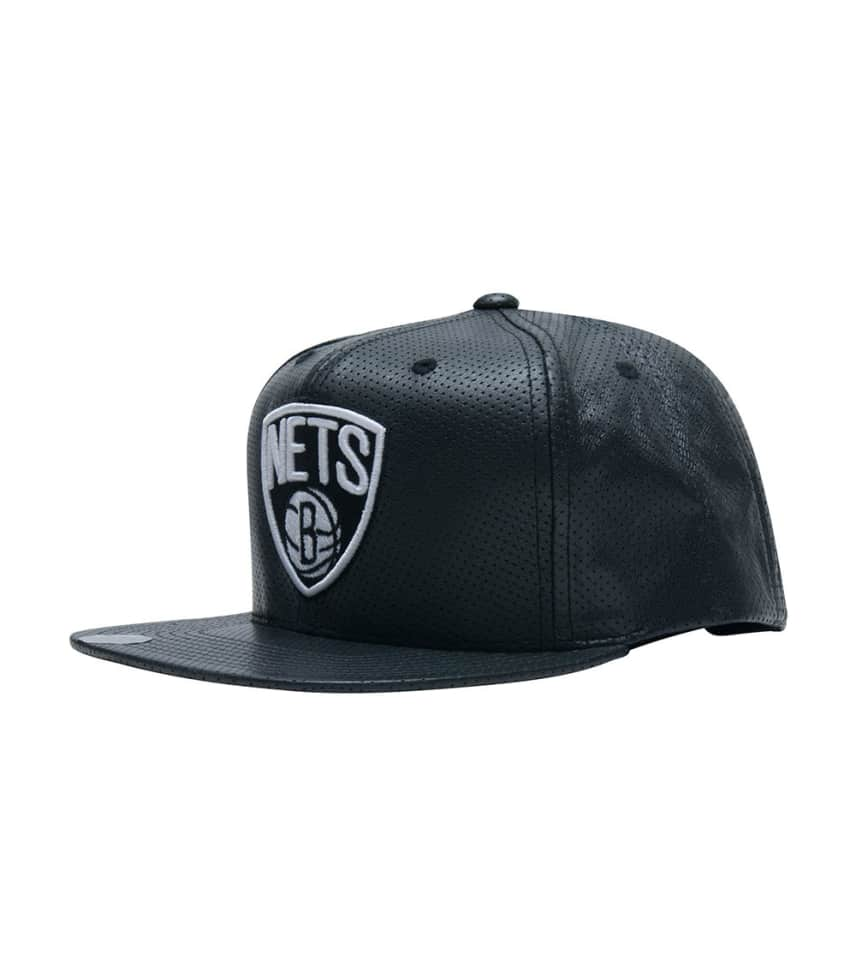 e1039765aab Mitchell and Ness Brooklyn Nets Leather Snapback (Black ...