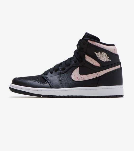 official photos 2af49 04275 Womens. Jordan Retro 1 High Premium