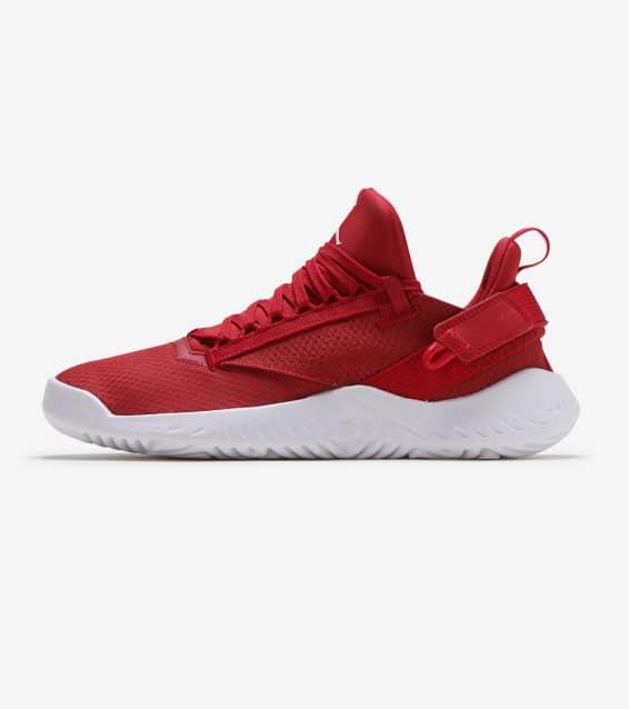 innovative design 96d17 92436 Jordan - Basketball Shoes   Sportswear   Jimmy Jazz