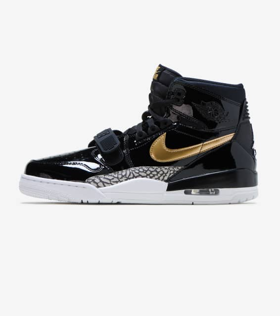 2557acc0aca523 Jordan - Basketball Shoes   Sportswear