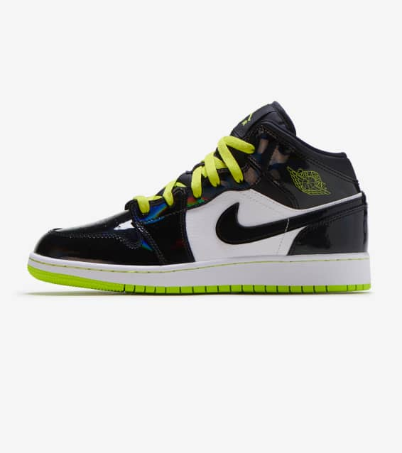the best attitude 01905 c0d71 Jordan 1 Mid Shoe