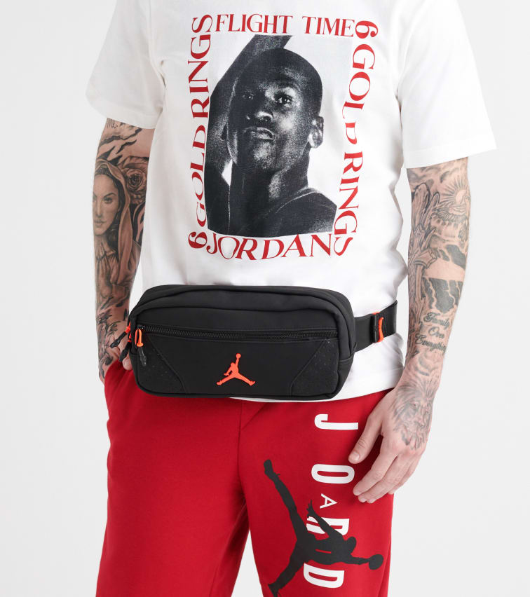 b9ce196a30a877 Jordan Retro 6 Crossbody Bag (Black) - 9A0230-KR6