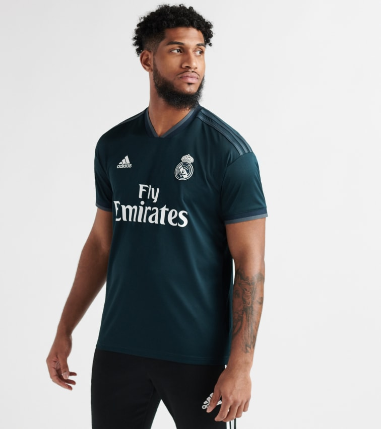 competitive price 55201 22590 Real Madrid Away Jersey in Navy